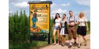 Stürmisches Bluzafest der Dorfgemeinschaft Hanfthal